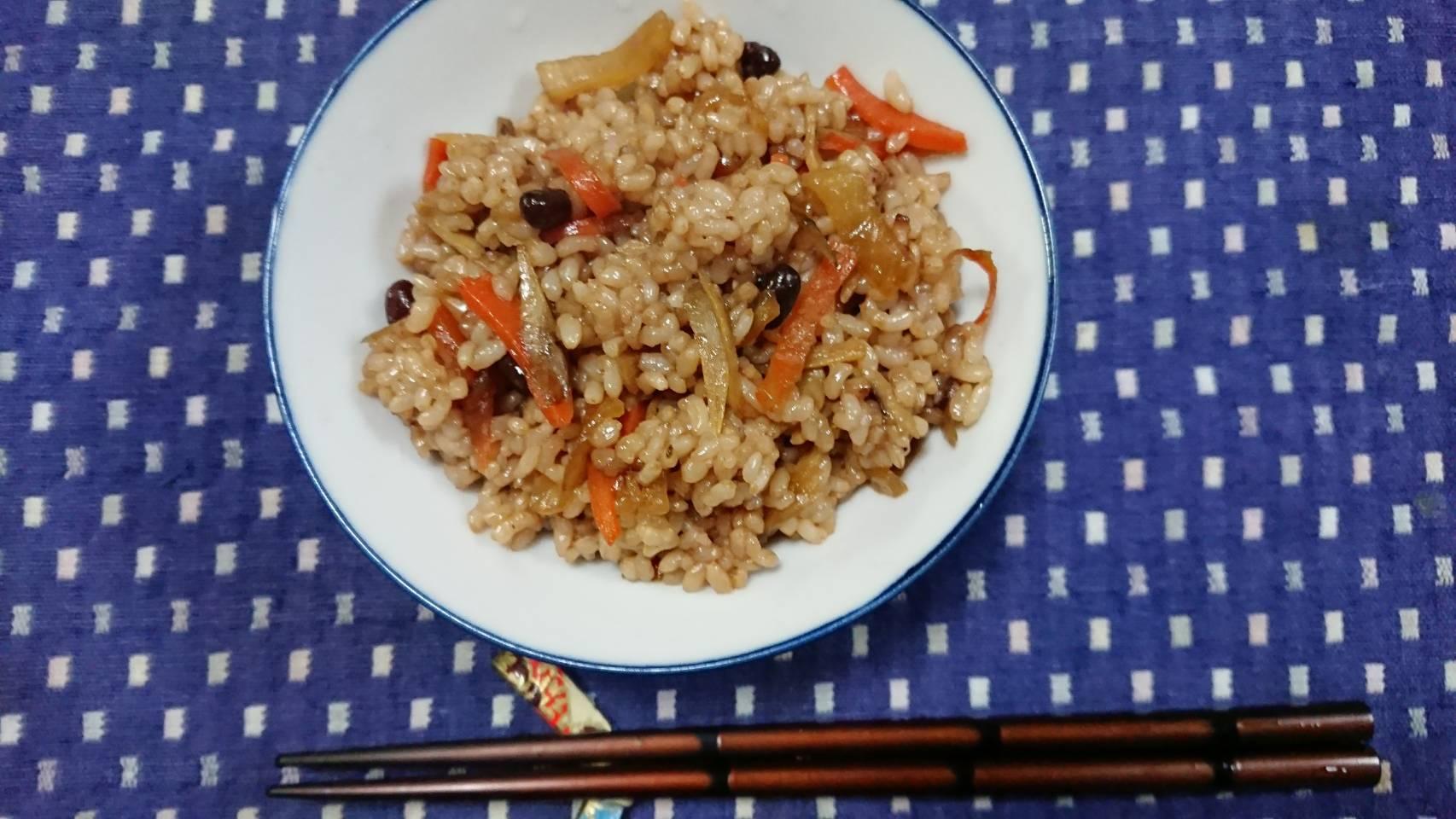 寝かせ玄米根野菜まぜご飯