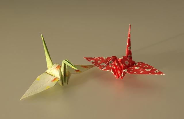 折り鶴2匹