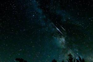 流星の夜空