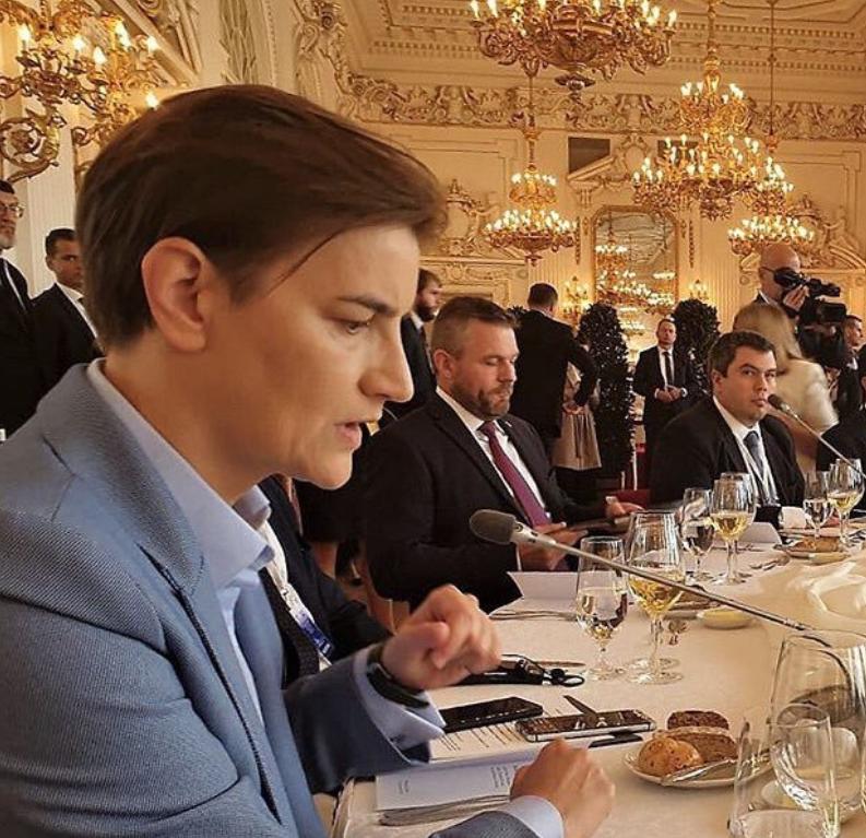 セルビア首相