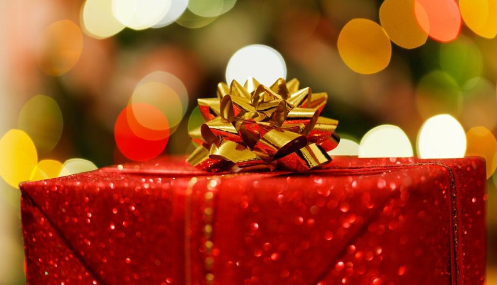 クリスマスプレゼント赤