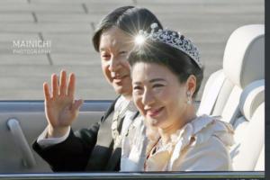 祝賀パレードの両陛下