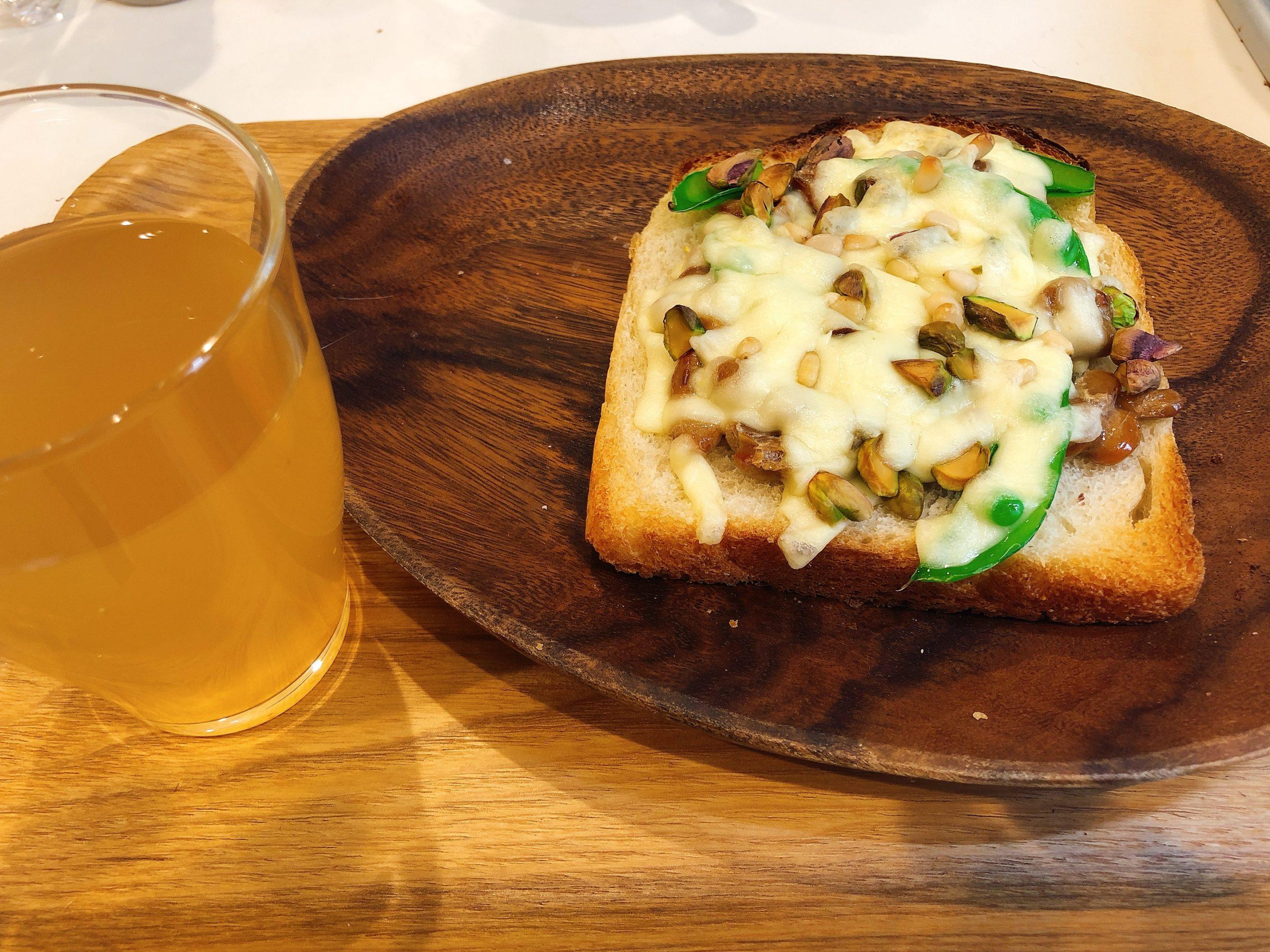 スナップえんどう納豆トースト